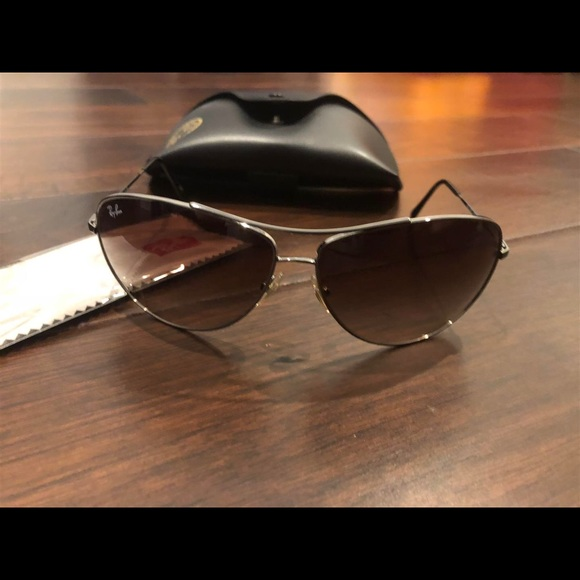 7b339b468a Authentic Ray-Ban Aviators RB3293 Sunglasses. M 5a650b1bcaab441bd453acd7